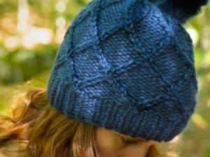 bonnet torsadé bleu