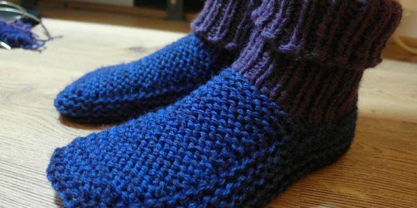 modele-tricot-chausson-femme-en-tete