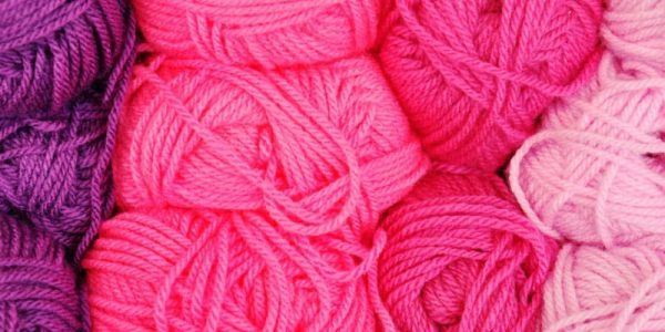 pelotes de laine rose