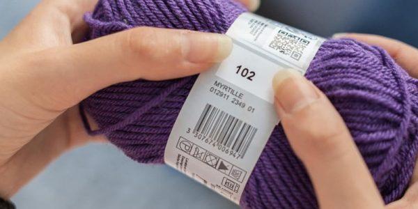 pelote de laine violette