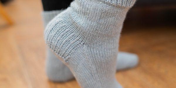 talon-chaussettes-en-tete